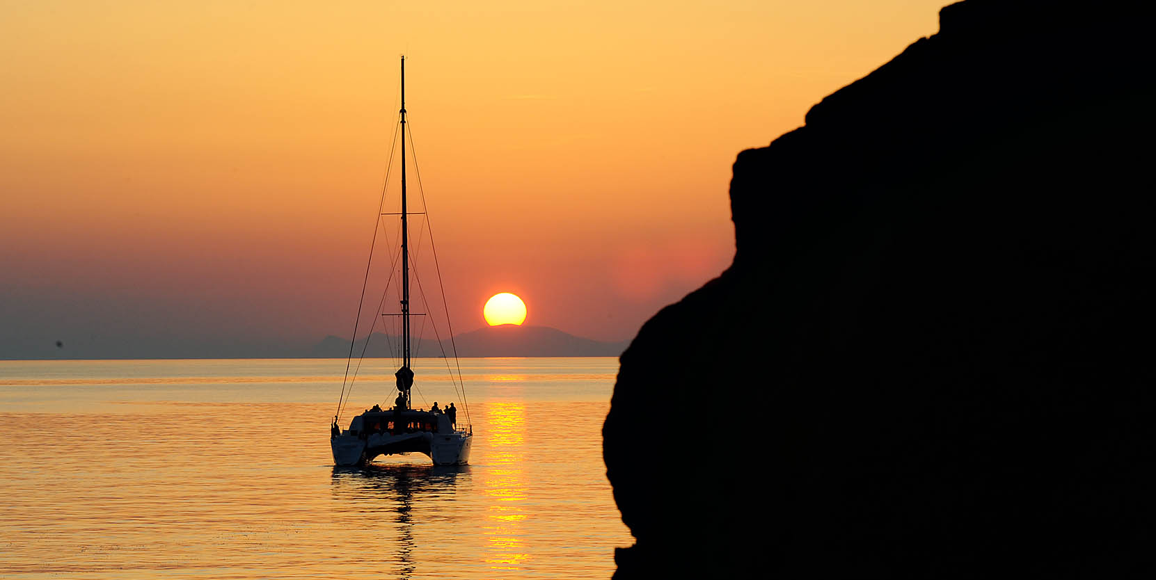 'Sunset Oia' Lagoon 500 Sunset Tour