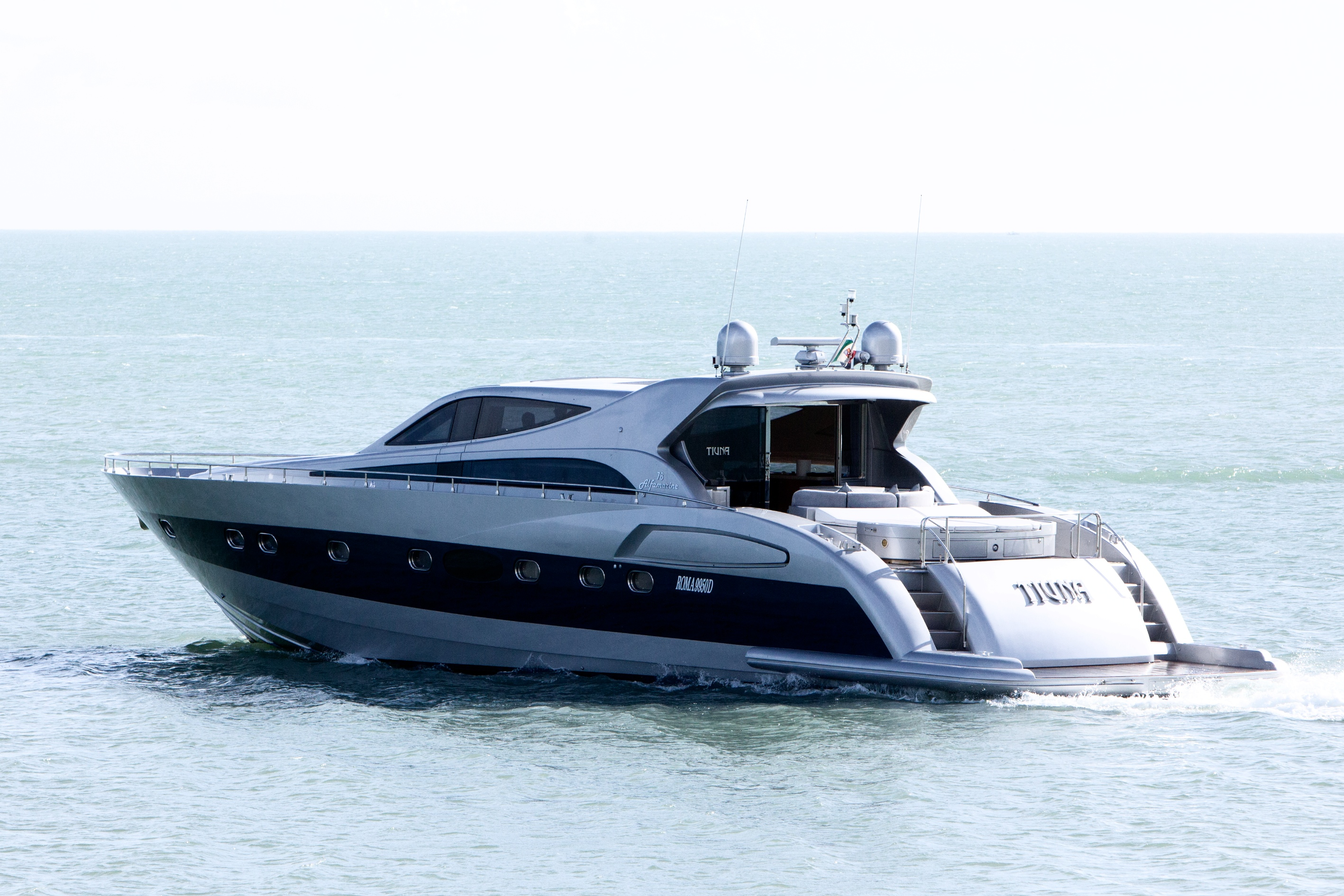 Morning Tour with Luxury Yacht